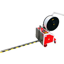 Pallet-strapping-machine-feeder-goes-under-pallet